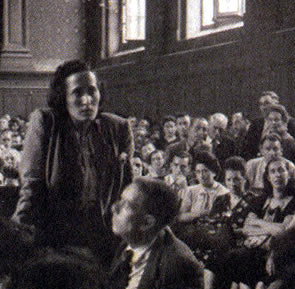 Mercedes Núñez declarando contra os fascistas
