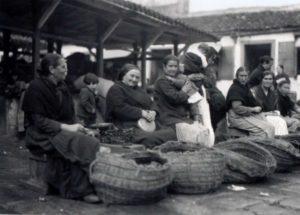 Castañeiras no mercado da Coruña